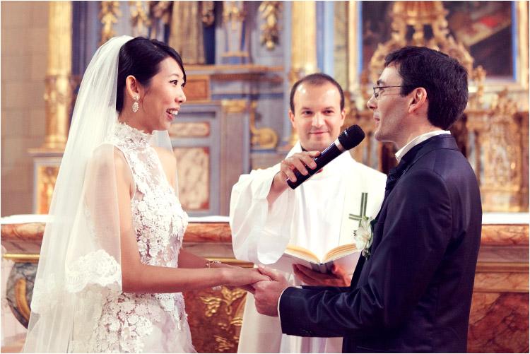 les mariées échangent leurs vœux à l'église du portet sur garonne