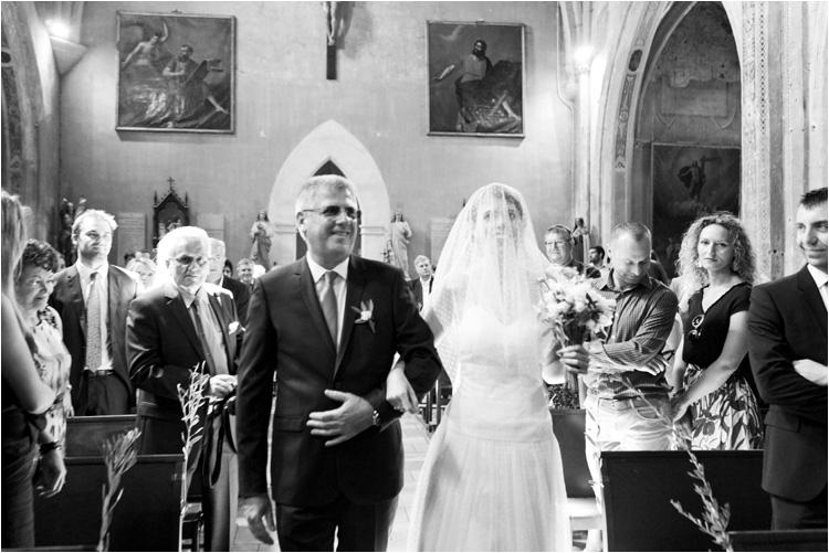L'entrée de la mariée à l'eglise