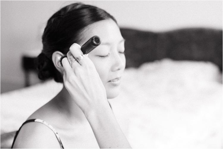 Préparatifs de la mariée, maquillage et mise en beauté