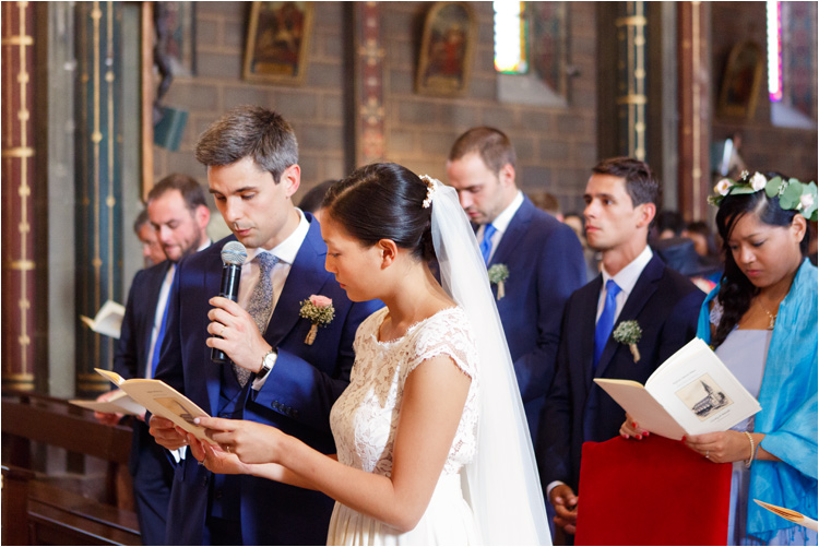 Les mariés à l'église de St Paul Cap de Joux