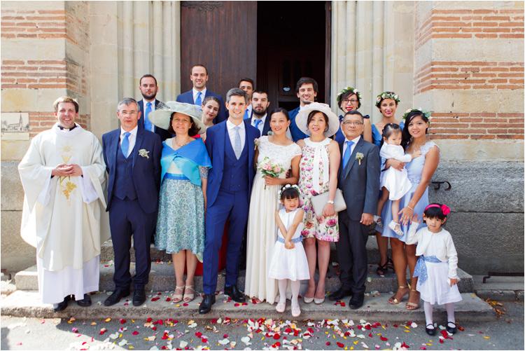 Photo de groupe au mariage dans le Tarn